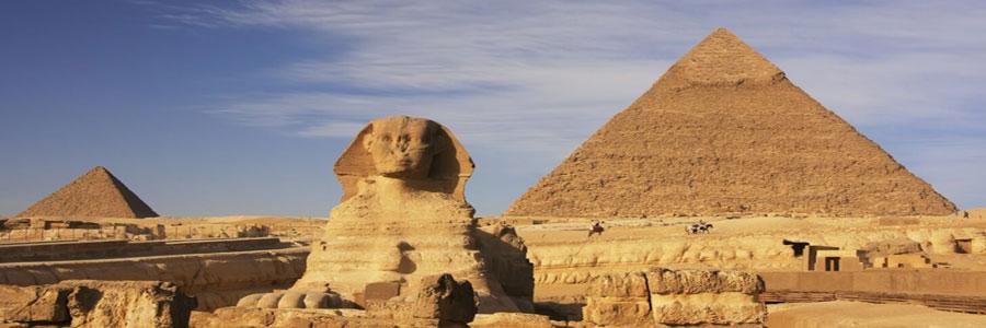 the Sphynx and pyramid at giza